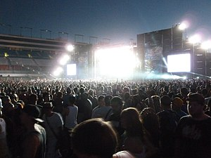 Electric Daisy Carnival - Image: Electric Daisy Carnival 2011 Main Stage