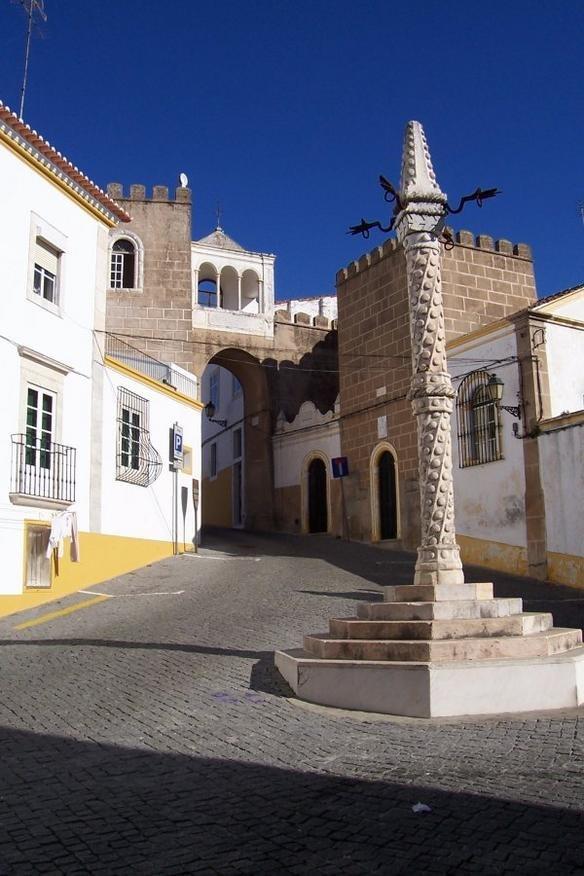 Elvas-Pelourinho-CCBYSA