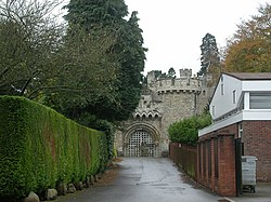 Entrance, Devizes Castle - geograph.org.uk - 1022978.jpg
