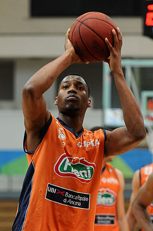 Eric Griffin (basketball) - Griffin with Fileni Jesi in December 2012