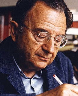 Erich Fromm 1974 (cropped).jpg