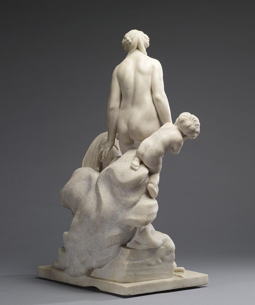 Présentation 857px-Etienne-Maurice_Falconet_-_Pygmalion_and_Galatea_-_Walters_27387_-_View_D