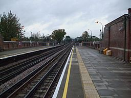 Fairlop station look north2