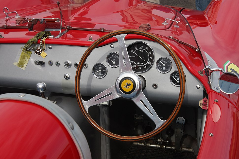 Ferrari196S-interior