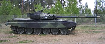 Finnish Army T-72 Ps264-202 side.jpg
