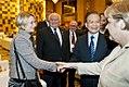 Frau Schnitzler mit Wen Jiabao ud Angela Merkel 2015.jpg