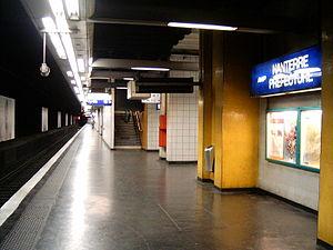 Nanterre-Préfecture Station - Image: Gare nanterre prefecture quai saint germain