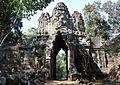Gateway to Angkor Thom (4278135790).jpg