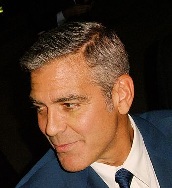 English: George Clooney at the Toronto Interna...