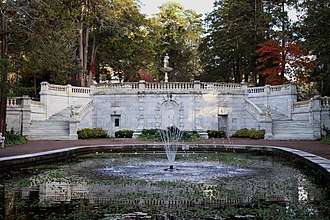 Georgian Court University - Image: Georgian Court, Lakewood, NJ Sunken garden and marble stairway