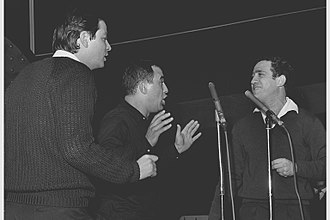 Yarkon Bridge Trio - Yarkon Bridge Trio performing in the Kinor David award ceremony, 1964