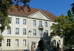 Jüdisches Krankenhaus Fridolin freudenfett (Peter Kuley) [CC BY-SA 3.0 (https://creativecommons.org/licenses/by-sa/3.0)], via Wikimedia Commons