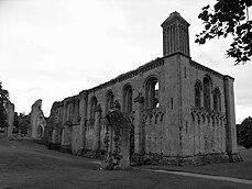 Glastonbury Abbey 2.jpg