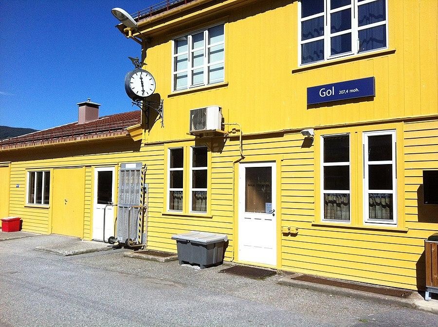 Gol Station