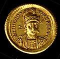 Gold Solidus of Theodosius II (408–50) MET tem042819o.jpg