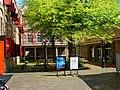 Gouda - Spieringstraat - Openbare Bibliotheek - Inside court - View East I.jpg