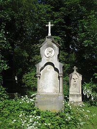 Grab-Albrecht-Adam-mit-Soehnen-Alter-Suedl-Friedhof-Muenchen-GF-27-1-25-26.jpg