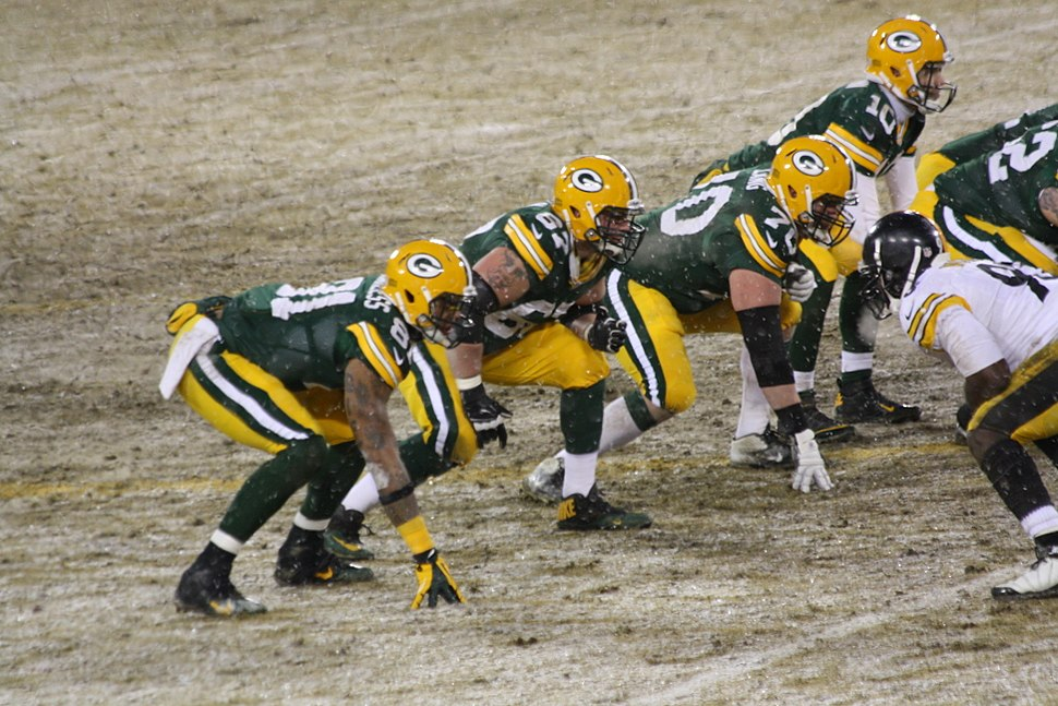 Green Bay Packers Offensive Line lined up Dec 2013
