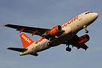 HB-JZV A319 easyJet Switzerland SCQ 02.jpg