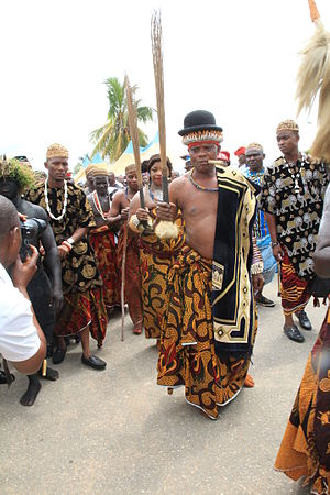 Yakö people - Ceremony of the coronation and presentation of the new Obol Lopon of Ugep