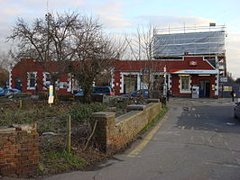 Hampton Court railway station 14.jpg