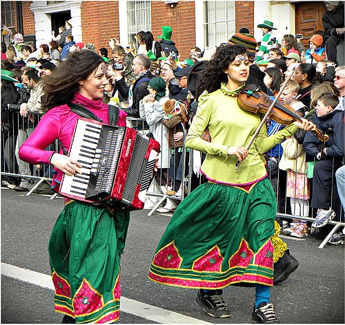 A girl playing an accordion on Saint Patrick's Day in Dublin, 2010 Happy Saint Patrick's Day 2010, Dublin, Ireland, Accordion Violin.jpg
