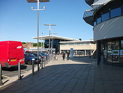 Hastings railway station and SCCH 2015.JPG