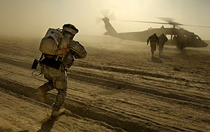 Extraction (military) - A UH-60 Black Hawk helicopter performing an extraction of United States Army troops in Iraq