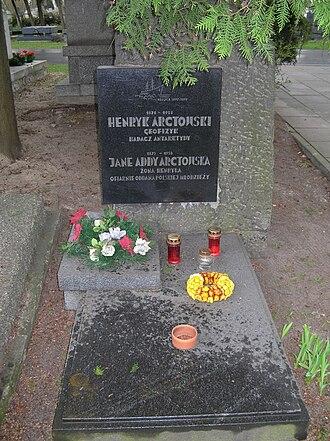 Henryk Arctowski - Tomb of Henryk Arctowski in Warsaw
