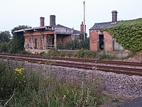 Hethersett railway station in 2005.jpg