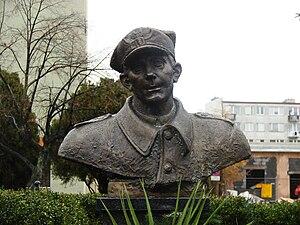 Popiersie Hieronima Dekutowskiego w Tarnobrzegu