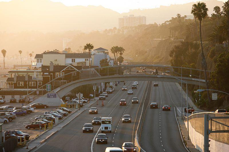 File:Highway Santa Monica (7618053846).jpg