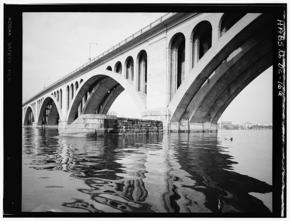 Historic American Buildings Survey George Eisenman, Photographer Summer 1967 REMAINS OF PIER -1 - Potomac Aqueduct, Georgetown abutment at Georgetown waterfront, Washington, District HABS DC,GEO,1-12