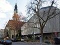 Hospitalkirche und Hospitalhof von der Büchsenstraße (2011).jpg