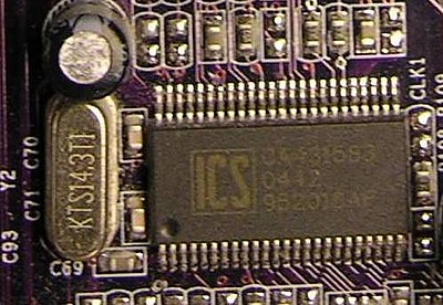 A desktop PC clock generator, based on the chip ICS 952018AF and 14.3 MHz resonator (on the left) ICS 952018AF.jpg