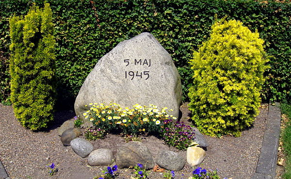 A memorial stone for the liberation of Denmark IIww - 5 maj 1945.JPG