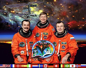 Expedition 3 - Image: ISS Expedition 3 crew