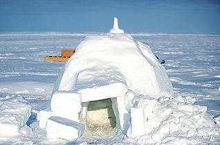 Igloo in Alert, Nunavut.jpg