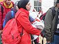 Immigranten beim Grenzübergang Wegscheid (22723919709).jpg