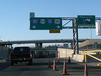 Interstate 110 (Texas) - Interstate 110 northbound at its southern terminus