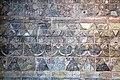 Iraq, babilonia, regno di nabucodonosor II, rivestimento delle mura in mattonelle invetriate, motivo, 604-562 ac ca. 01.JPG