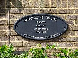 Jacqueline du pr%c3%a9 plaque