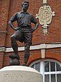 Johnny Haynes statue.jpg