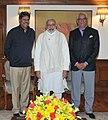 Kapil Dev, Narendra Modi and Vivek Khushalani.jpg