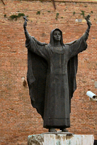 Fortezza Medicea (Siena) - Statue of Saint Catherine of Siena, facing towards the city