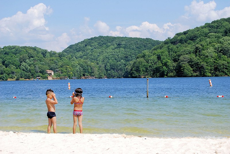 File:Kids on the beach at Claytor Lake State Park (16153214614).jpg