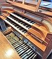 Knokke, Heilig Hart (Klais-Orgel, Spieltisch) (1).jpg