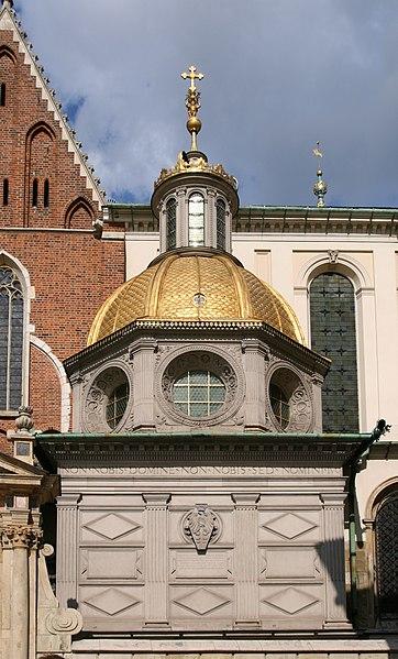 Ficheiro:Kraków - Wawel - Zygmunt's Chapel 01.jpg