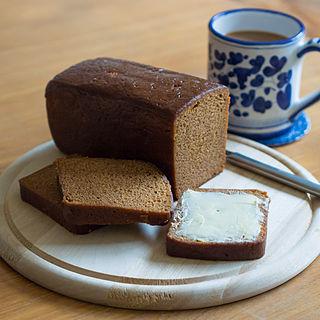 Ontbijtkoek Dutch-Belgian spiced cake