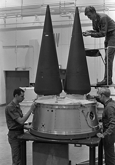 Airmen work on a Minuteman-III's multiple independently-targetable re-entry vehicle (MIRV) system. Current missiles carry a single warhead. LGM-30G Minuteman III MIRV.jpg